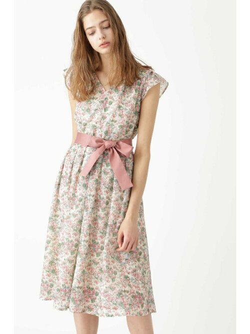人とかぶらない外国人風花柄ワンピース ワンピース 花柄ワンピース 洋服