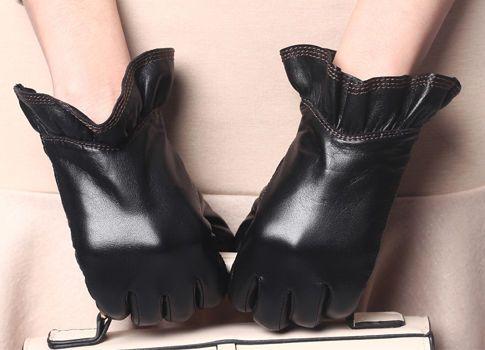 Winter Wonderland @eBay  #Well-RoundedFashion #Gloves