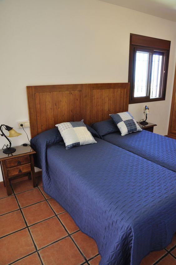 Detalle del dormitorio de 2 camas de la planta superior