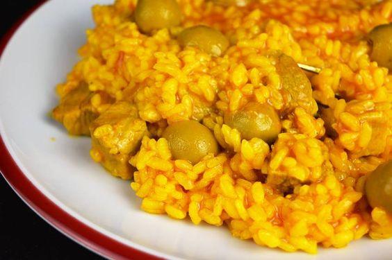 Hacer un arroz no es complicado, solo hay que perderle el miedo y conseguiremos multitud de platos ya que se puede combinar con casi cualquier cosa.