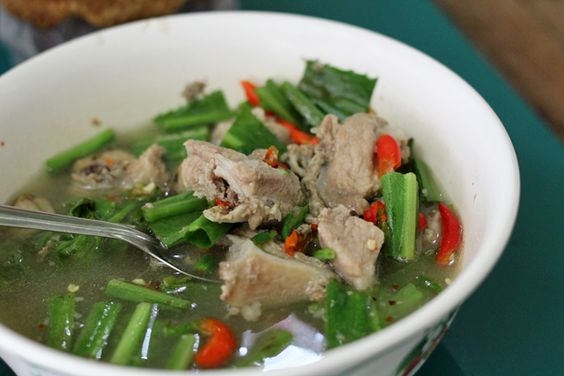 Sour Isan soup with pork ribs (tom saap sekong moo ต้มแซ่บซี่โครงหมู) near Victory Monument