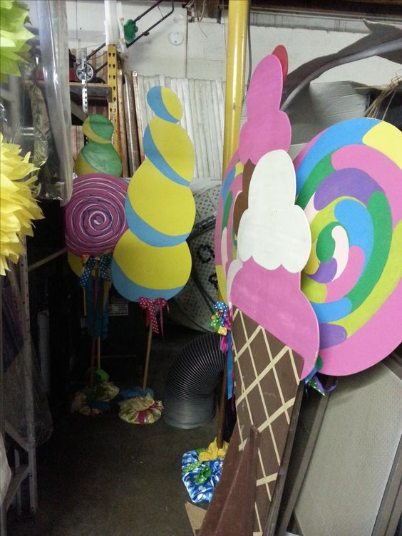 Candyland Party Decorations Diy Candy land themed prop...