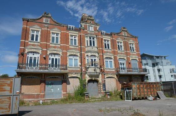 Transformation of Leigh's Grand Hotel gets thumbs up from town council (From Braintree and Witham Times)