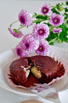 Heute gibt es bei mir super saftige und fluffige Schokomuffins mit Cheesecakekern! Die müsst ihr unbedingt mal ausprobieren! Ich wünsche euch einen tollen Tag.