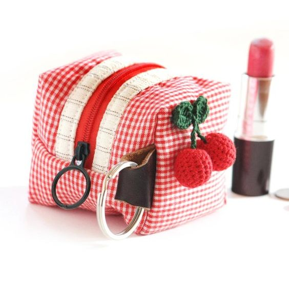 checkered cube pouch