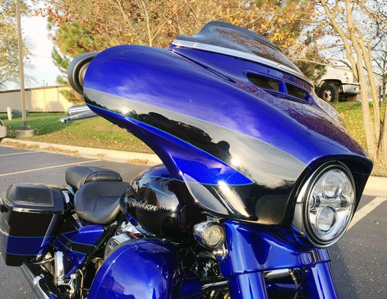 2017 Cvo Street Glide In Candy Cobalt And Indigo Ink