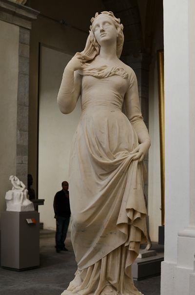 Joseph Hugues FABISCH Aix en Provence, 1812 / Lyon, 1886- Béatrix (1855) - Marbre - Acquis de l'artiste, 1856 - Musée des Beaux Arts de Lyon
