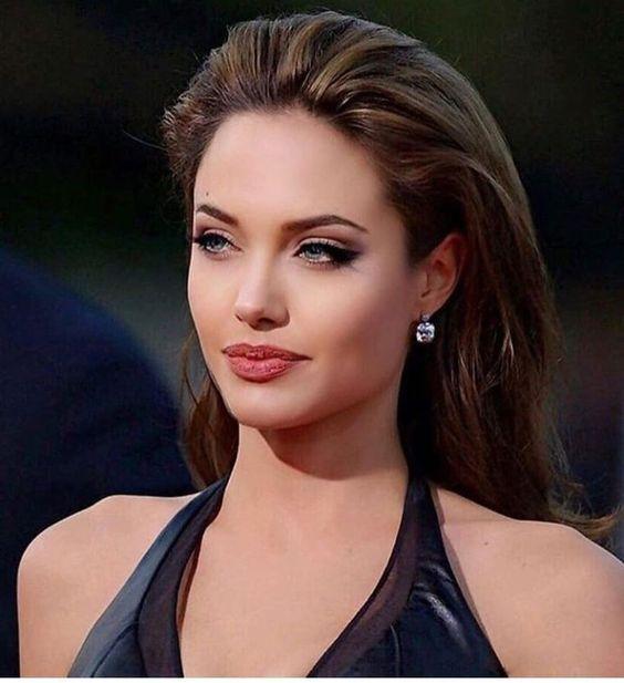 27 Magnifique Coiffure De Cafe Au Chocolat Maquillage Angelina Jolie Magnifiques Coiffures Coiffure