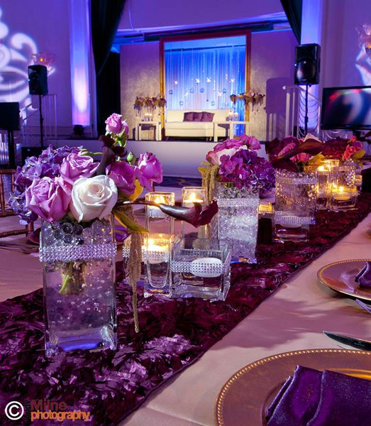 Wedding center pieces center pieces and bling on pinterest for Center table ideas
