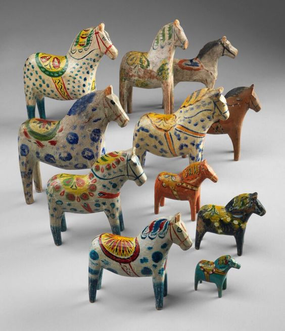 A herd of Dala horses, county of Dalarna. 1890-1960. Wood. © Roma Capitale –Sovrintendenza Capitolina ai Beni Culturali –Collezione di giocattoli antichi, CGA LS 1692, 1985, 2223, 3355, 3363, 4417, 4581, 6835, 6836, 10140 (photo by Bruce White, all photos courtesy Bard Graduate Center Gallery)