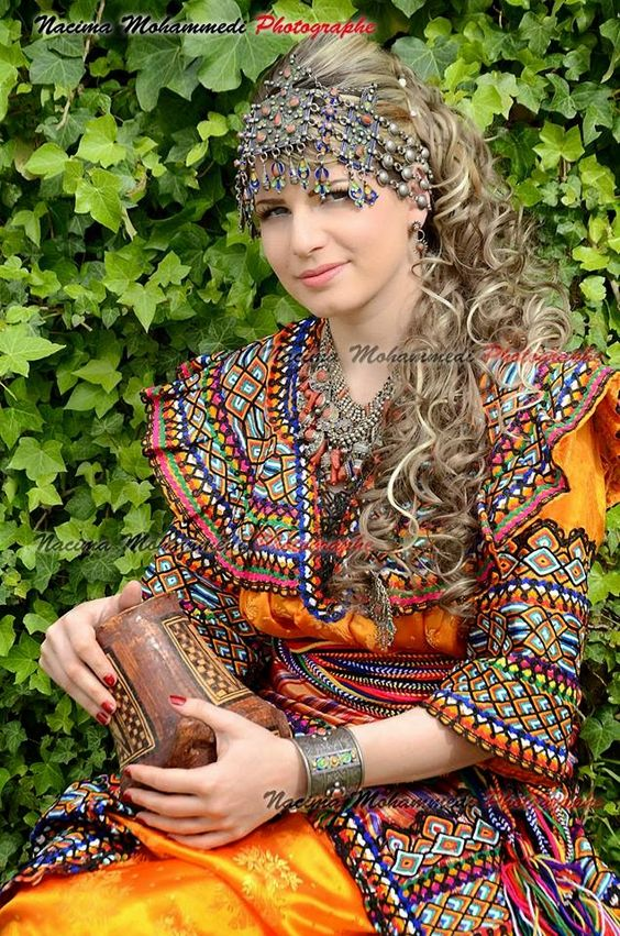Robes kabyles gargari vert for Decoration yennayer