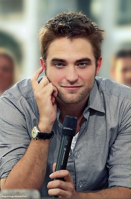 What can I say after all the twilight crap he did some good stuff...even before that but hey point is I think he's hot!