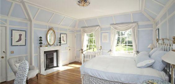 http://www.struttandparker.com/properties/holyport-maidenhead-berkshire-sl6