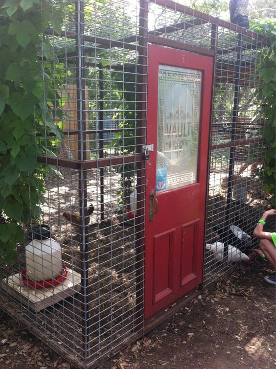 Thegardenbetty on twitter shared this chicken coop for Red chicken coop