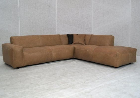 Lifestyle lounges and leather on pinterest - Lederen sofa zitter ...
