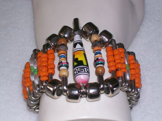 Vintage South American  Llama / Alpaca  Beaded Safety Pin Bracelet