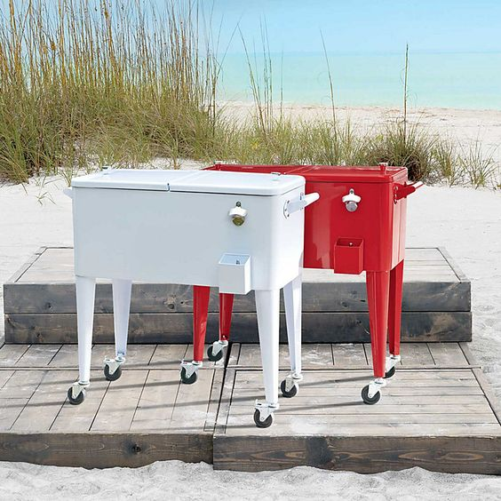Retro rolling cooler - for summer parties, clam bakes and beach bonfires.