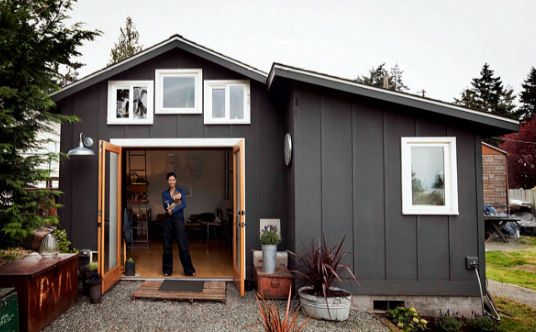 250 foot garage becomes a tiny home