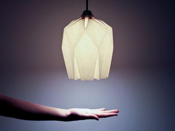 Origami light  Portable lamp  White paper  Yellow por inoowdesign
