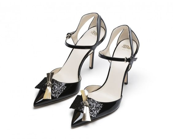 Julia patent leather heels with patent leather bow detailing