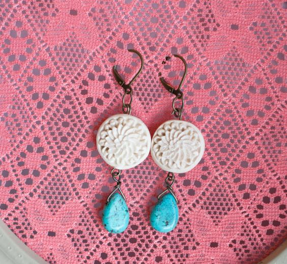 the carlisle  love the cream and turquoise  http://www.etsy.com/listing/101624140/the-carlisle#