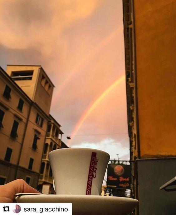 Che incredibile risveglio☕☕️ grazie @sara_giacchino  #coffeeroaster #torrefazione #coffee #cafe #andora #cafelife #caffeine #piattitipiciregionali #drink #coffeeaddict #albenga #coffeelover #caffè #coffiecup #coffeelove #coffeemug #coffeelife #milano #torino #cuneo #finaleligure #pietraligure #loano #sanremo #alassio #munich