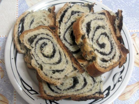Cozonac cu Mac....Sweet bread with poppy seeds