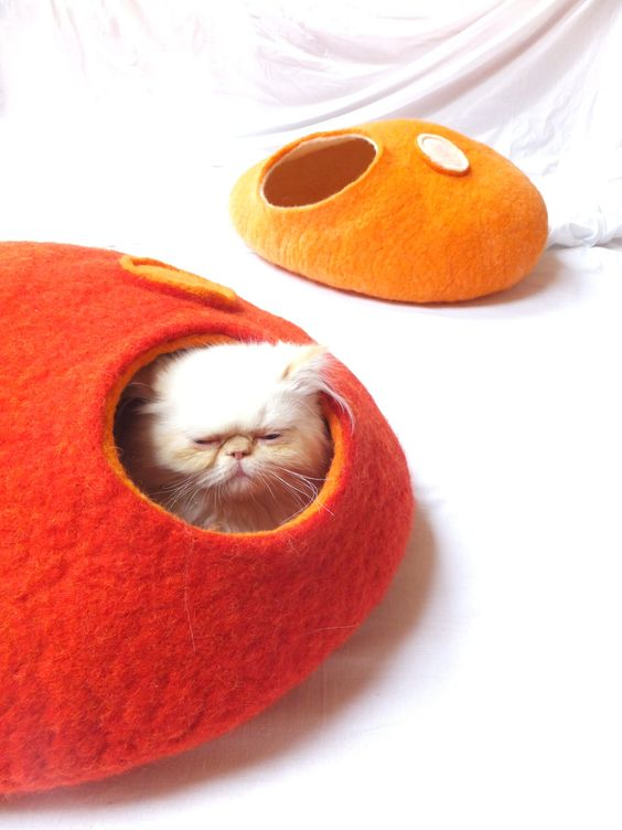 If I had a cat...... | Cat cave/Cat bed/Cat house/Cat vessel Handmade from by Grazim. $55.00, via Etsy.