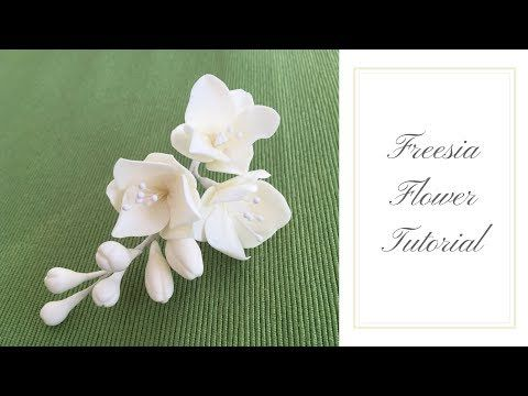 Sugar Gum Paste Flowers How To Make Sugar Paste Calla Lilies Cake Decoration Pastry School Youtube Freesia Flowers Flower Video Tutorials Gum Paste Flowers