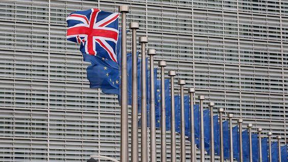 51 Milliarden Euro Loch: Cameron warnt vor Rentenkürzungen