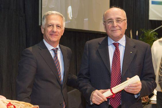 Il Sig. Andalini ha ricevuto il Riconoscimento alla Fedeltà al Lavoro e al Progresso Economico per aver dedicato la propria vita al lavoro e allo sviluppo dell'impresa raggiungendo l'eccellenza.