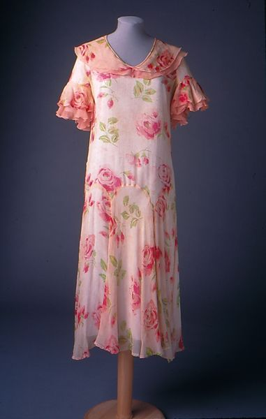 Dress printed silk chiffon with pink rose design early for Wedding dresses lowell ma