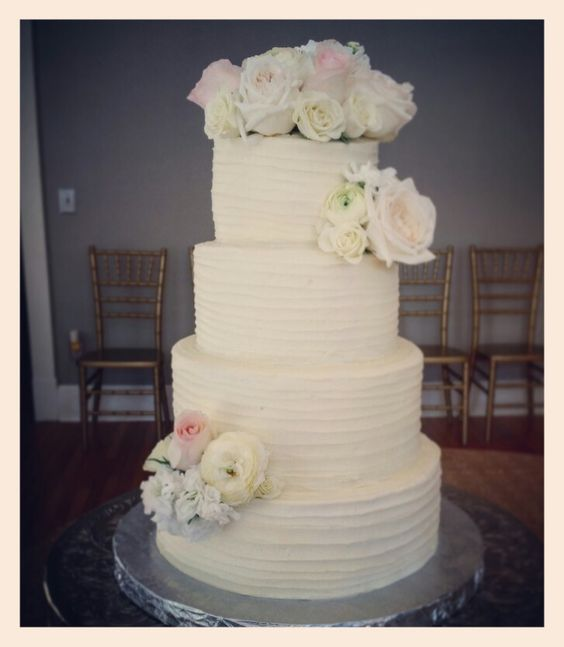 Vintage white wedding cake