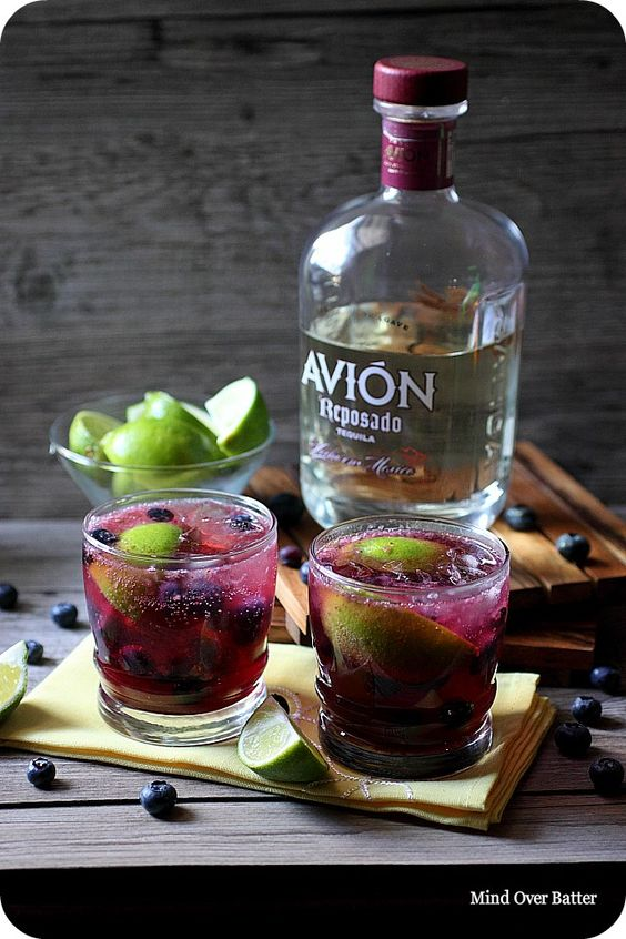 14 cocktails every tequila lover should know blueberries for Simple tequila mixed drinks