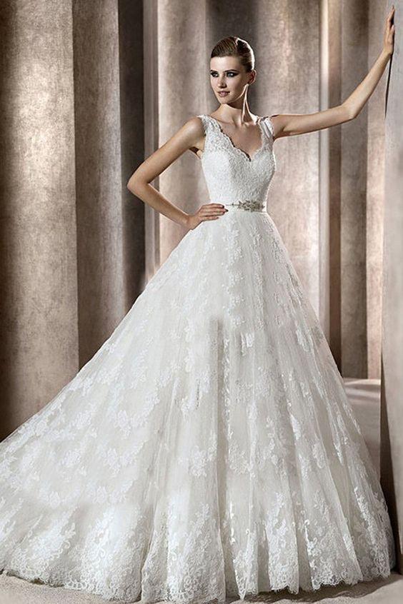 A-line V-neck Sleeveless Lace Chapel Train Wedding Dress - Luxuoso Vestidos - Vestidos Noiva - Vestido de casamento Vogue Season