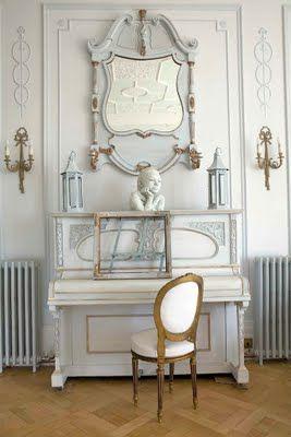 I Heart Shabby Chic: Antique White Interiors
