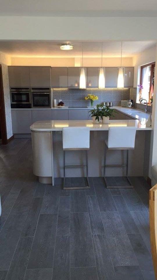 Remo Light Grey High Gloss Handless Kitchen With Stunning