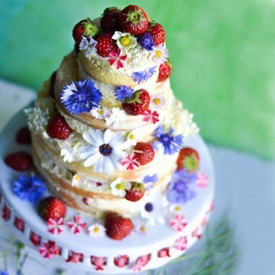 Erdbeertorte mit Mandelsahnecreme - Anniversary Cake