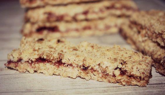 BARRITAS DE CEREALES CON ARÁNDANOS  http://wwwreposteriabego.blogspot.com.es/2014/09/barritas-de-cereales-con-arandanos.html?m=1