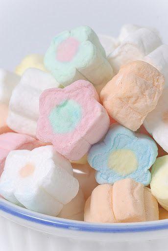 Daisy Pastel Marshmallows