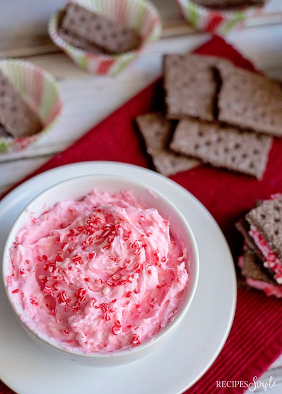Marshmallow Fluff Christmas Dip