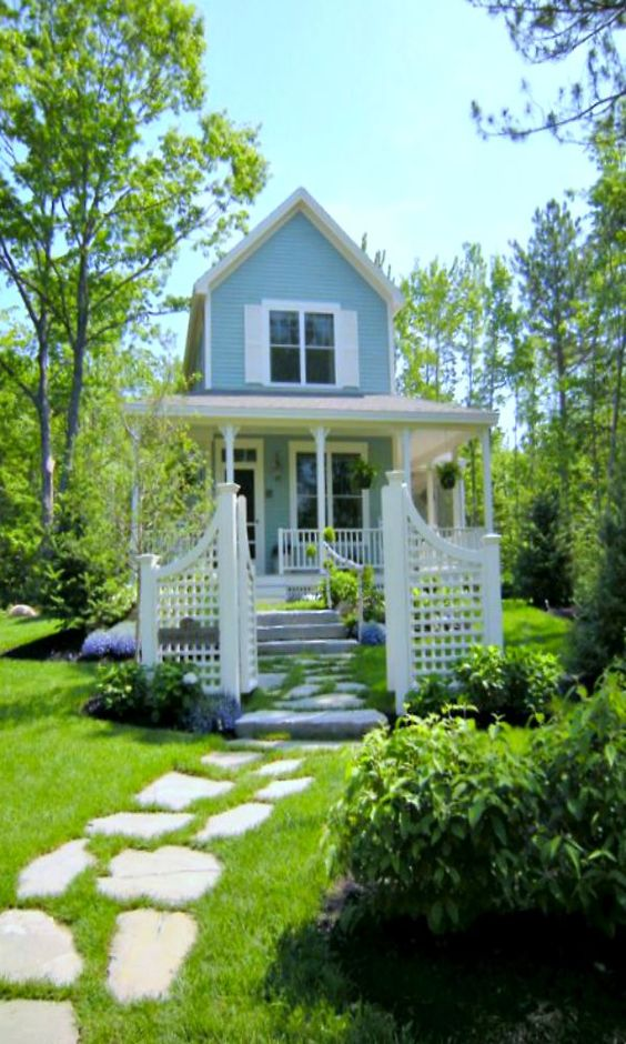 Dream Beach Cottage With Neutral Coastal Decor: Beautiful Little Cottage
