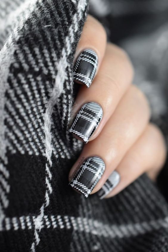 50 Simple And Easy Cute Nail Art Ideas You Will Love Nailcuco Plaid Nail Art Plaid Nails Fall Nail Art Designs