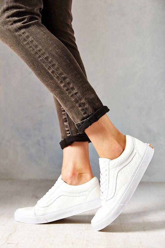 Vans Old Skool Premium Leather Low-Top Womens Sneaker - Urban Outfitters