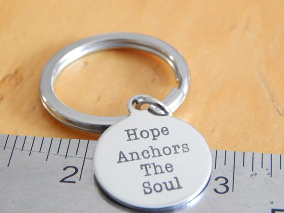 Hope Anchors The Soul keychain - 20mm round - Inspirational Jewelry - Gift Under 20 par FamilyHouseStampin sur Etsy https://www.etsy.com/ca-fr/listing/466423806/hope-anchors-the-soul-keychain-20mm #epiconetsy #bestofetsy #etsyshop  #etsyhandmade #etsychaching