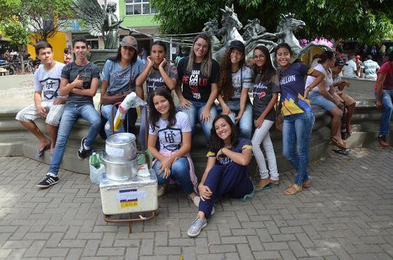 Visão Surubim: Juventudes Evangélicos vendem coxinhas para a gran...