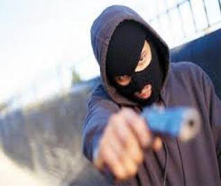BLOG DO MARKINHOS: Bandidos invadem chácara e fazem jovem refém em No...