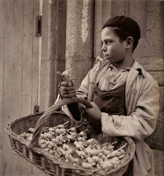 """Venta de Aves """"Silbatos"""" Madrid-España 1950."""