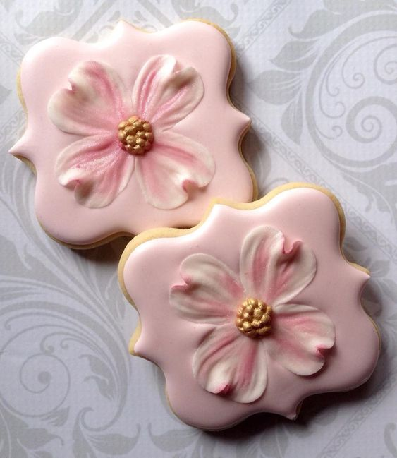 Dogwood flower on Square Plaque   Cookie Connection