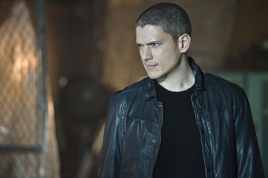 Wentworth Miller in the flash 2x03 - Stef's Heaven